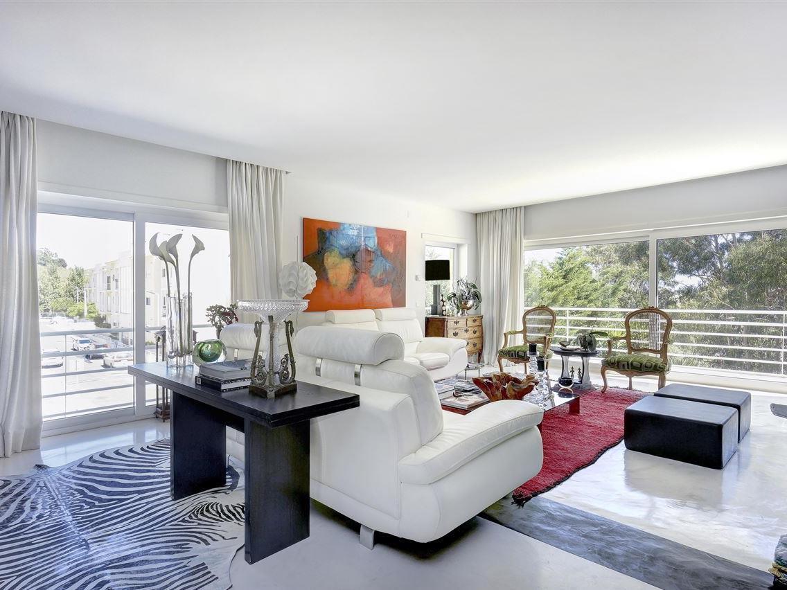 Villa per Vendita alle ore Semi-detached house, 4 bedrooms, for Sale Alcabideche, Cascais, Lisbona Portogallo