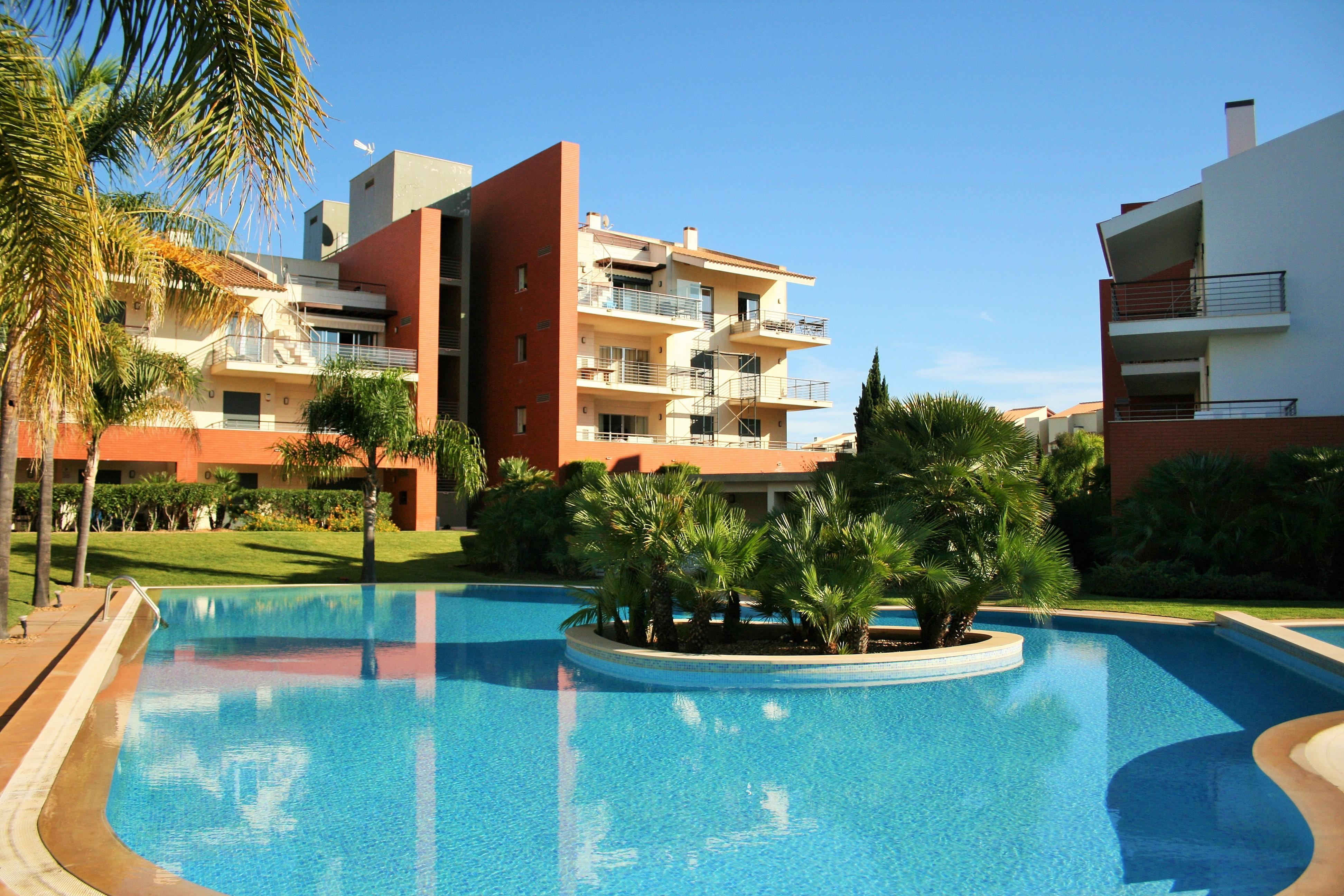 Duplex pour l Vente à Duplex, 3 bedrooms, for Sale Loule, Algarve, Portugal