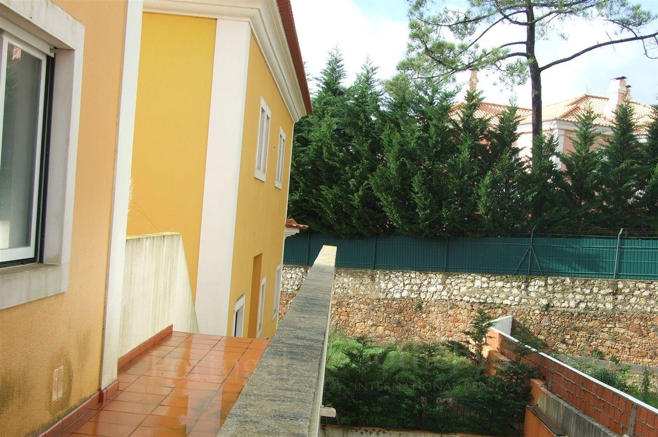 獨棟家庭住宅 為 出售 在 House, 4 bedrooms, for Sale Cascais, 葡京, 2645-527 葡萄牙
