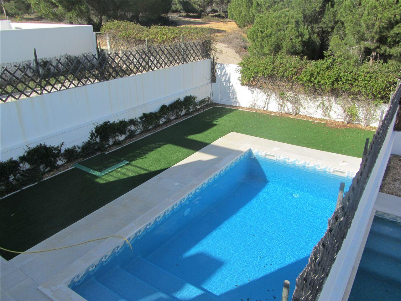Single Family Home for Sale at Terraced house, 4 bedrooms, for Sale Loule, Algarve, 8135-105 Portugal