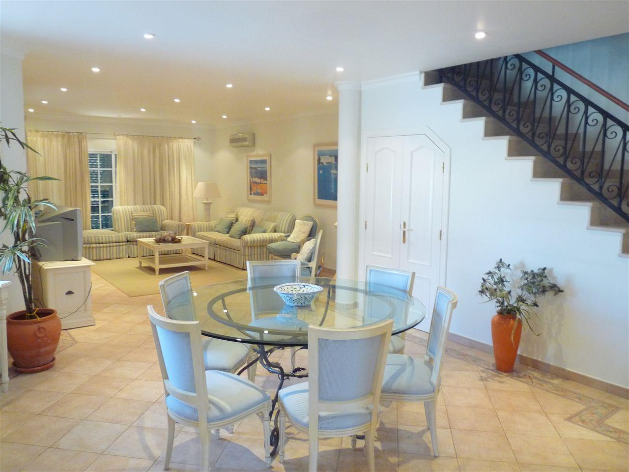 公寓 為 出售 在 Flat, 3 bedrooms, for Sale Loule, Algarve 8135- 葡萄牙