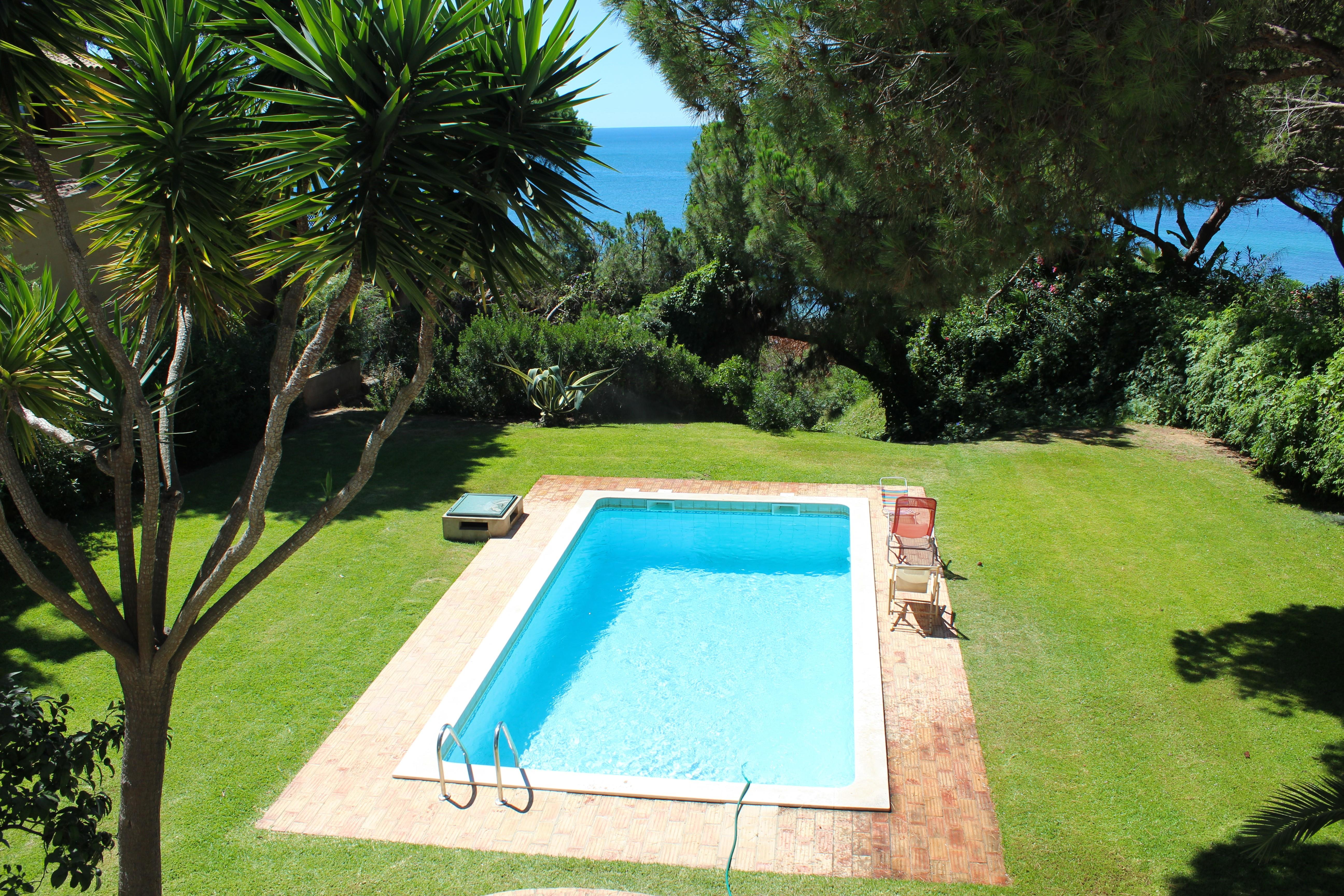 Single Family Home for Sale at Detached house, 4 bedrooms, for Sale Albufeira, Algarve, 8200- Portugal
