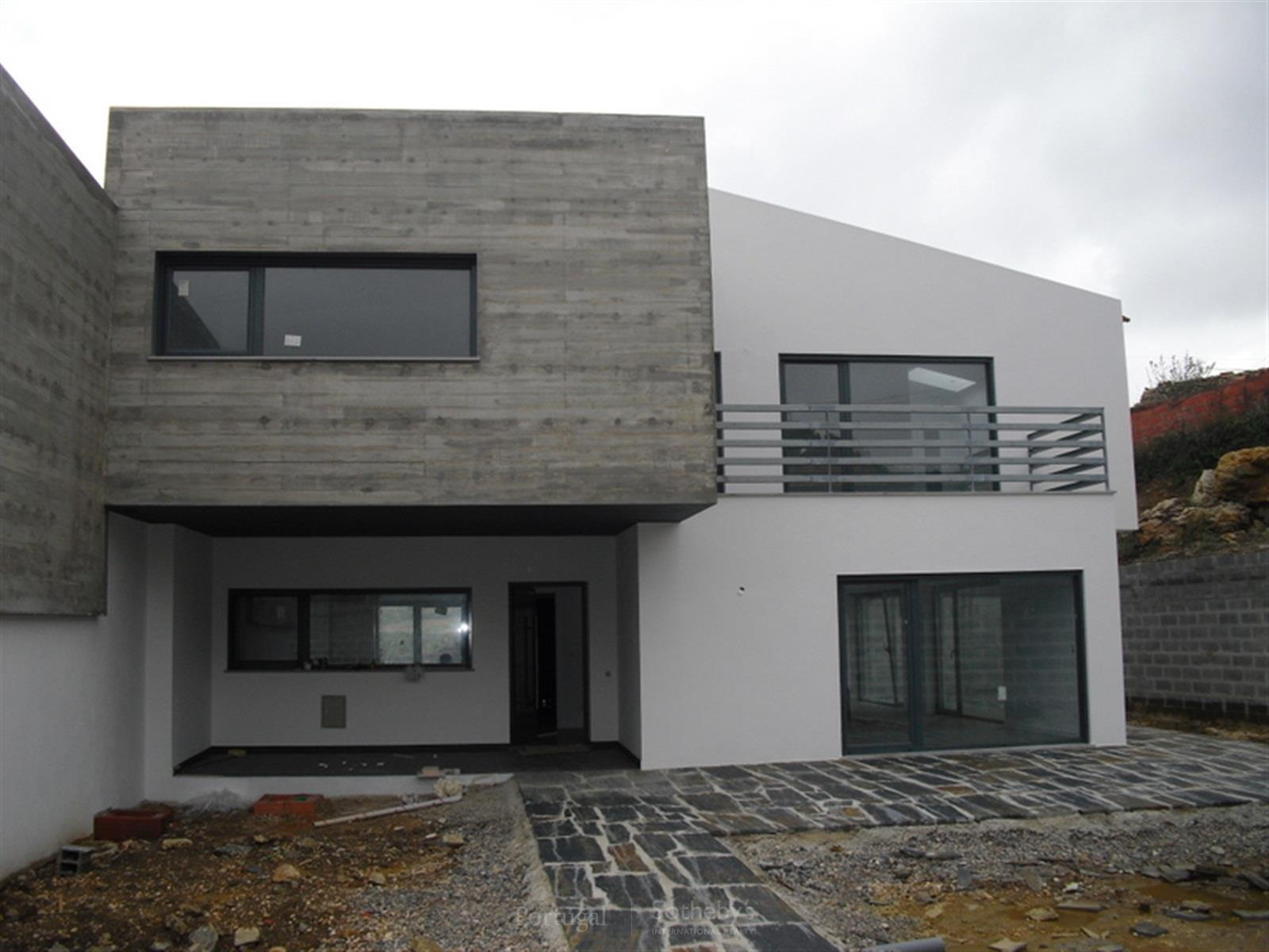Property Of Semi-detached house, 3 bedrooms, for Sale