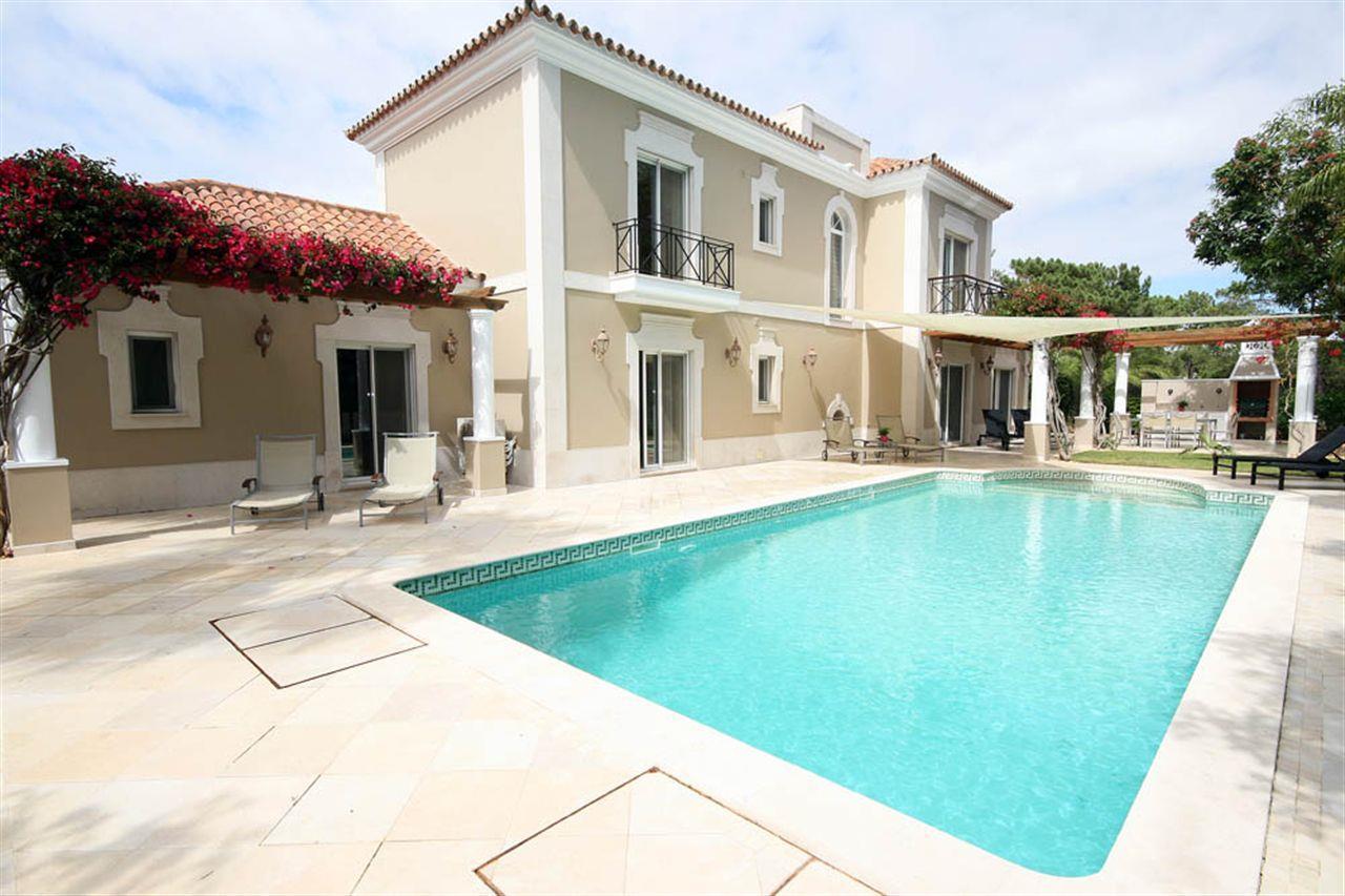 Villa per Vendita alle ore House, 4 bedrooms, for Sale Loule, Algarve 0000-000 Portogallo