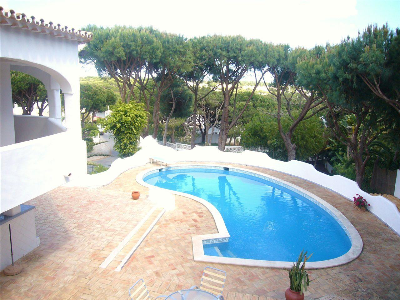 Tek Ailelik Ev için Satış at House, 5 bedrooms, for Sale Loule, Algarve 8135-170 Portekiz