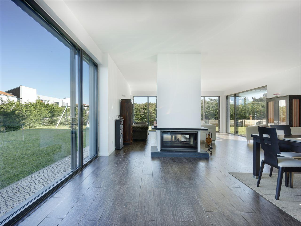 獨棟家庭住宅 為 出售 在 House, 6 bedrooms, for Sale Oeiras, 葡京 葡萄牙