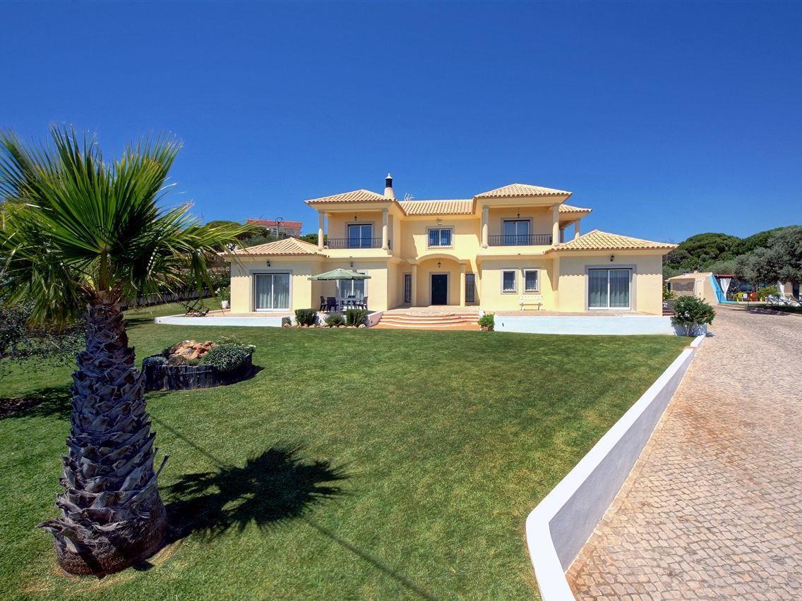 独户住宅 为 销售 在 Detached house, 5 bedrooms, for Sale Loule, Algarve 葡萄牙