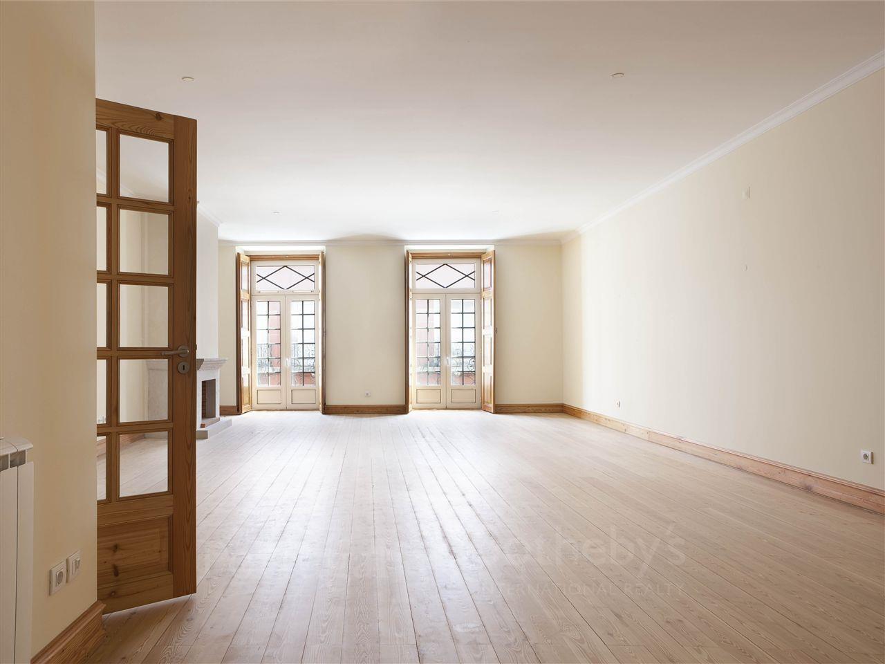 公寓 为 销售 在 Flat, 2 bedrooms, for Sale 葡京, 葡京, 1269-269 葡萄牙