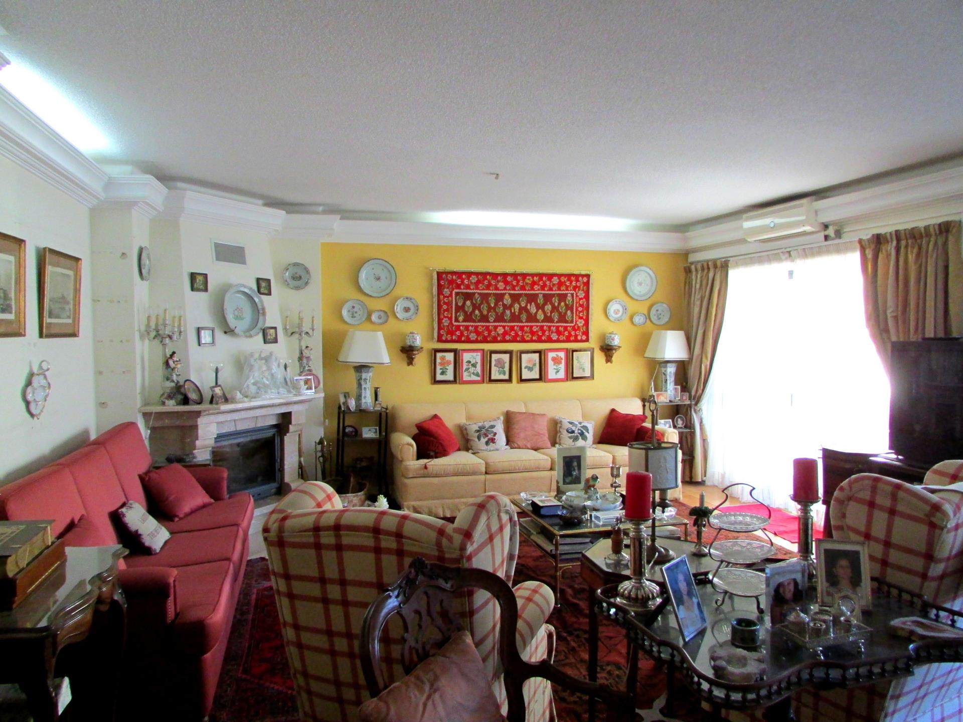 Duplex для того Продажа на Duplex, 4 bedrooms, for Sale Cascais, Лиссабон Португалия