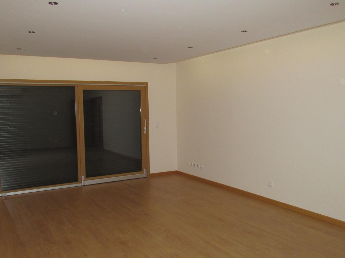 Appartement pour l Vente à Flat, 3 bedrooms, for Sale Lumiar, Lisboa, Lisbonne Portugal
