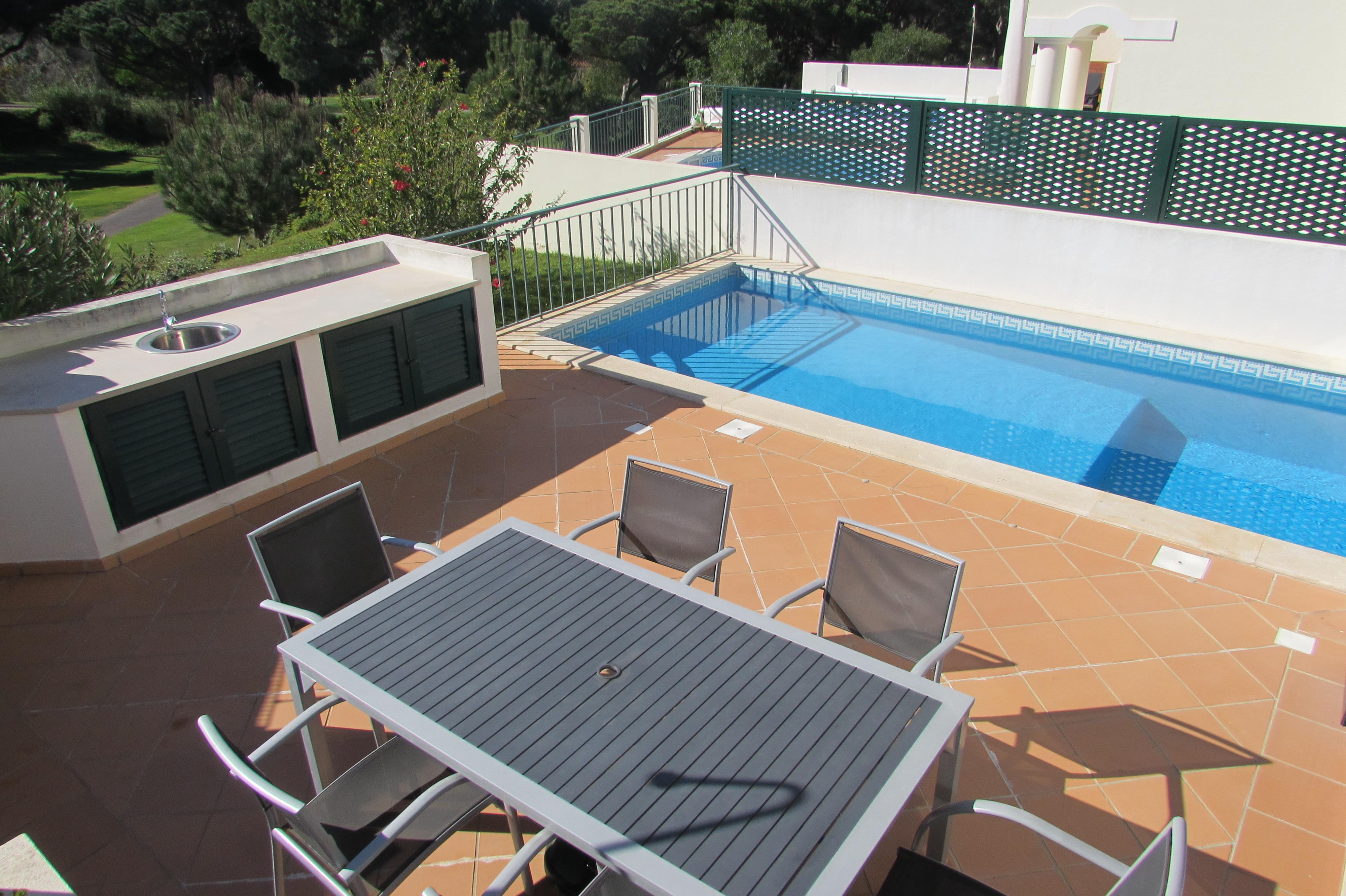 Single Family Home for Sale at Terraced house, 3 bedrooms, for Sale Loule, Algarve, 8135-011 Portugal