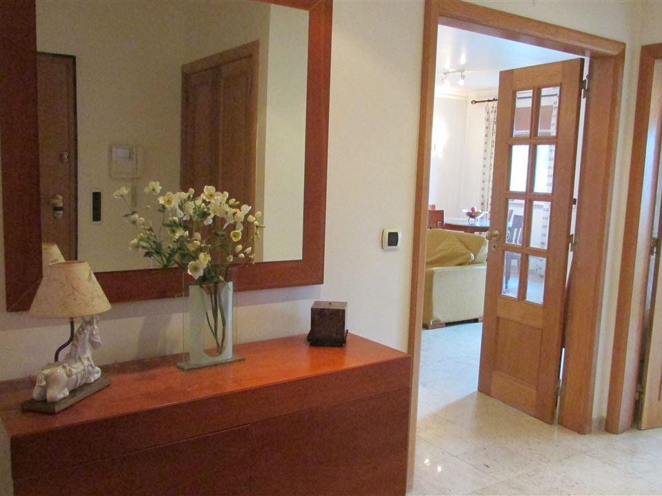Appartamento per Vendita alle ore Flat, 3 bedrooms, for Sale Estoril, Cascais, Lisbona Portogallo