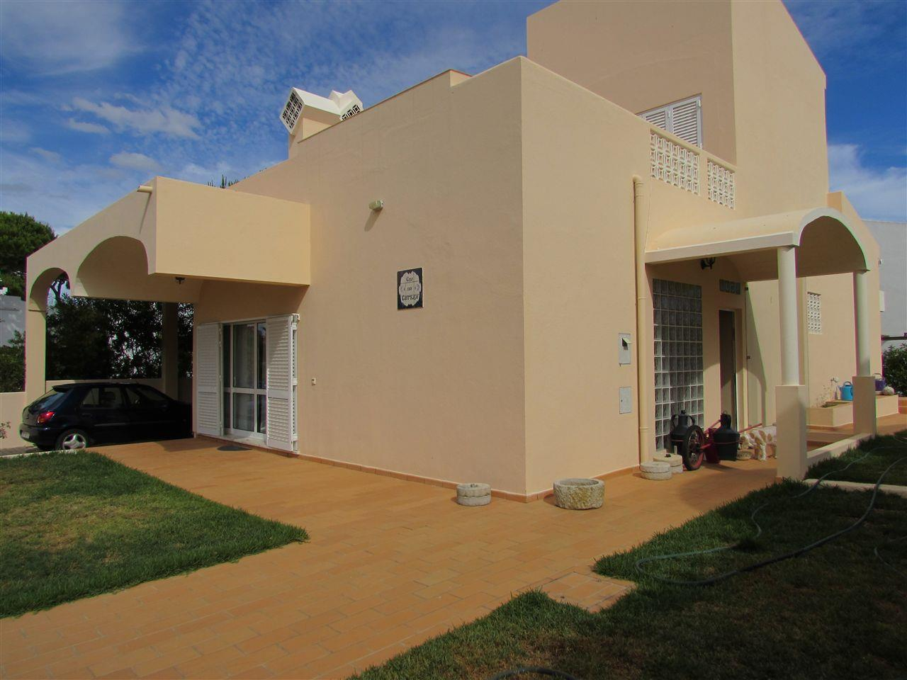 Single Family Home for Sale at Detached house, 3 bedrooms, for Sale Loule, Algarve 8125- Portugal