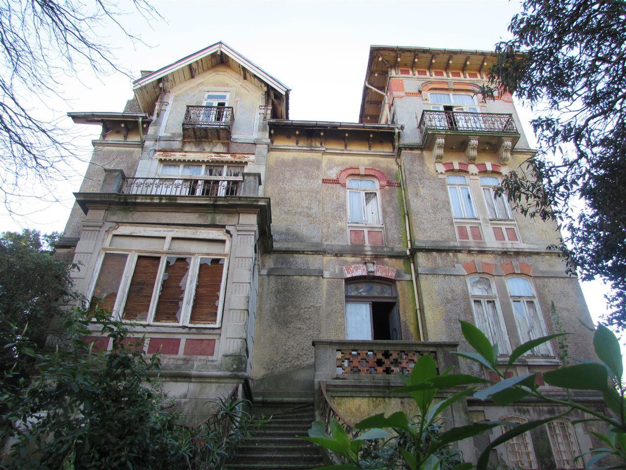 Nhà ở một gia đình vì Bán tại Detached house, 6 bedrooms, for Sale Porto, Porto, 4150-404 Bồ Đào Nha