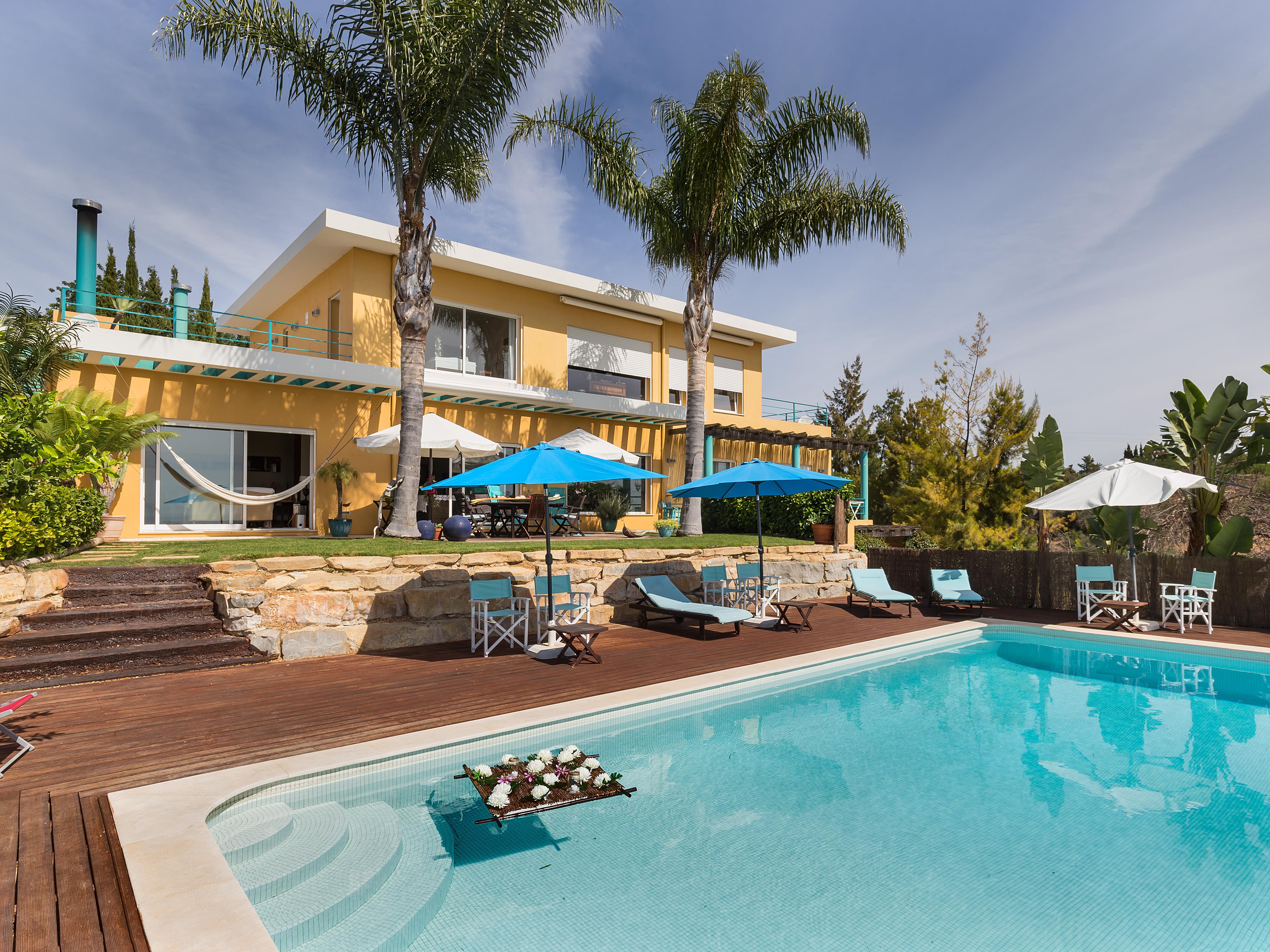 Einfamilienhaus für Verkauf beim Detached house, 5 bedrooms, for Sale Loule, Algarve, Portugal
