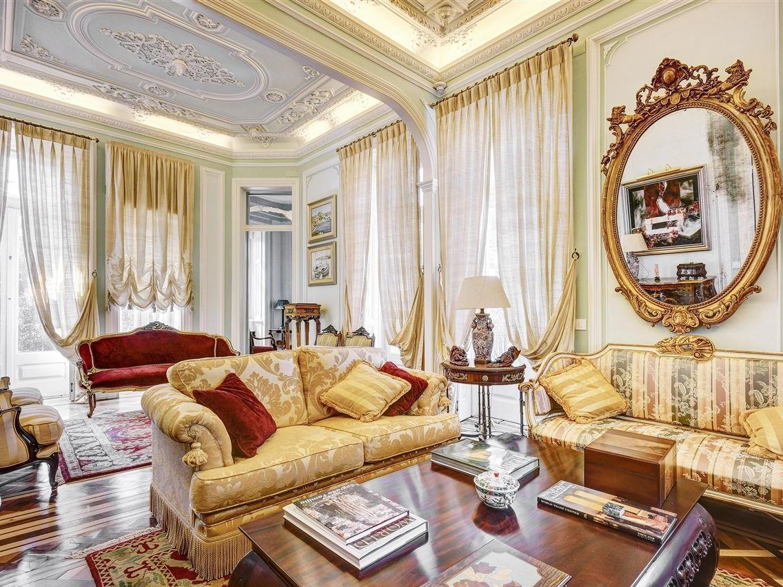 Vivienda unifamiliar por un Venta en House, 6 bedrooms, for Sale Parede, Cascais, Lisboa Portugal