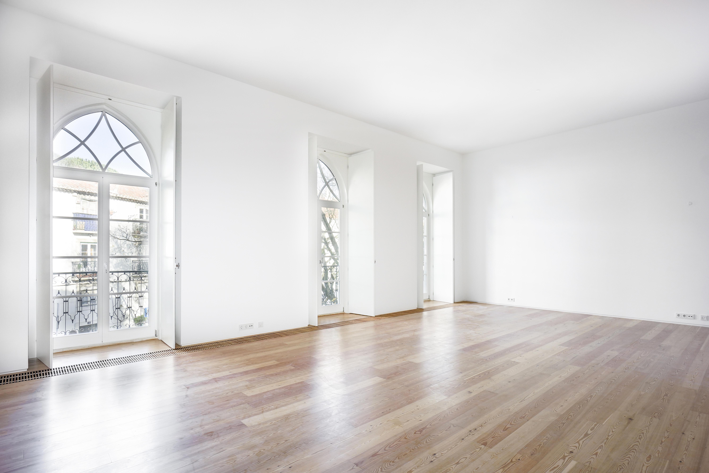 Maison unifamiliale pour l Vente à Apartment Floor Dwelling, 4 bedrooms, for Sale Lisboa, Lisbonne, 1100-160 Portugal