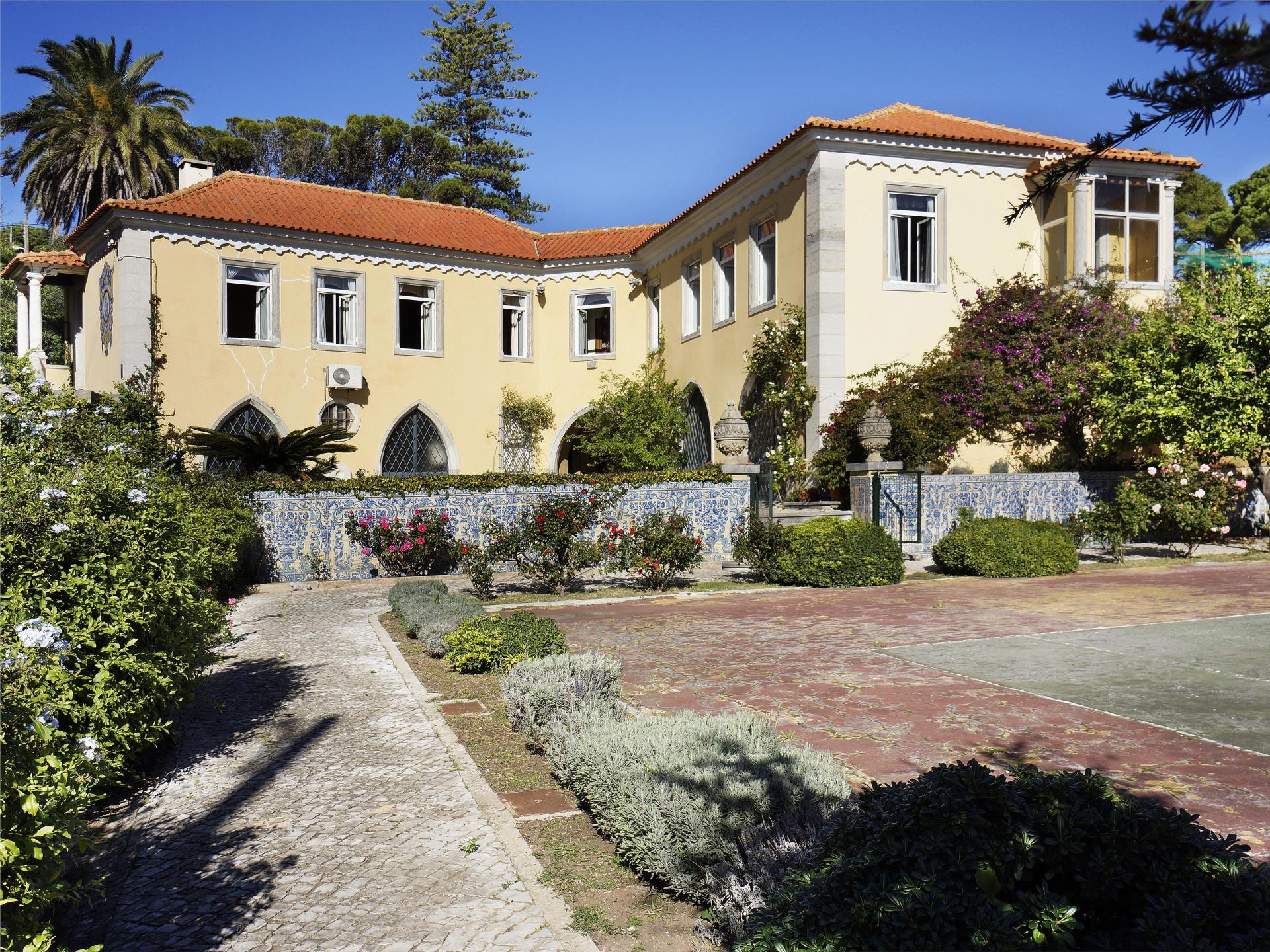 Villa per Vendita alle ore House, 4 bedrooms, for Sale Estoril, Cascais, Lisbona Portogallo