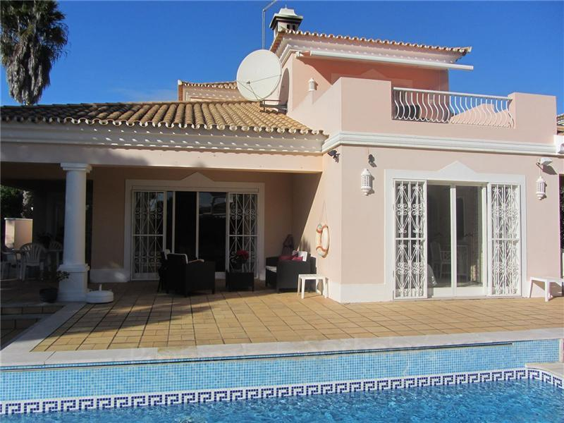 Single Family Home for Sale at House, 3 bedrooms, for Sale Loule, Algarve, 8135-034 Portugal