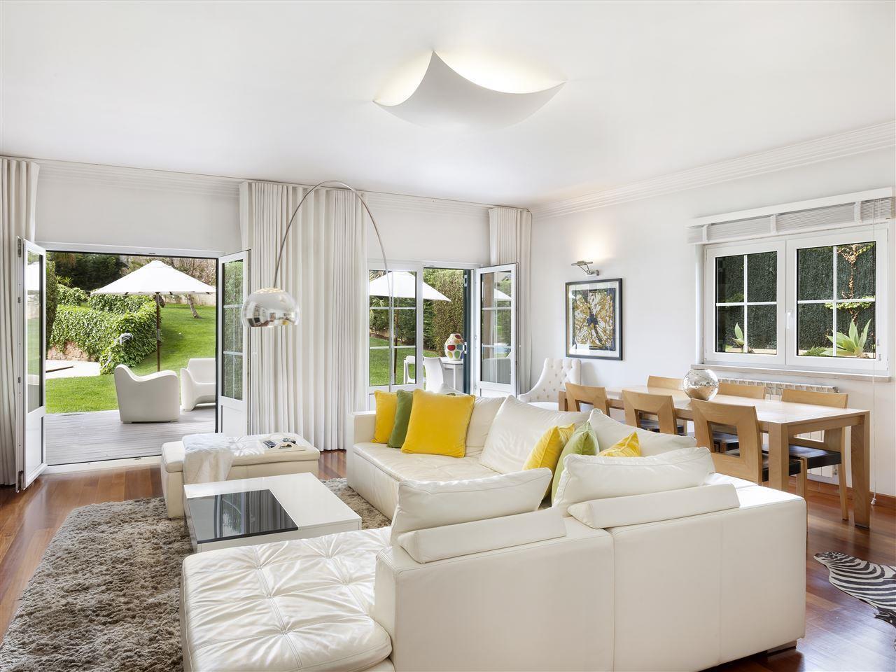 Maison unifamiliale pour l Vente à Terraced house, 4 bedrooms, for Sale Birre, Cascais, Lisbonne Portugal