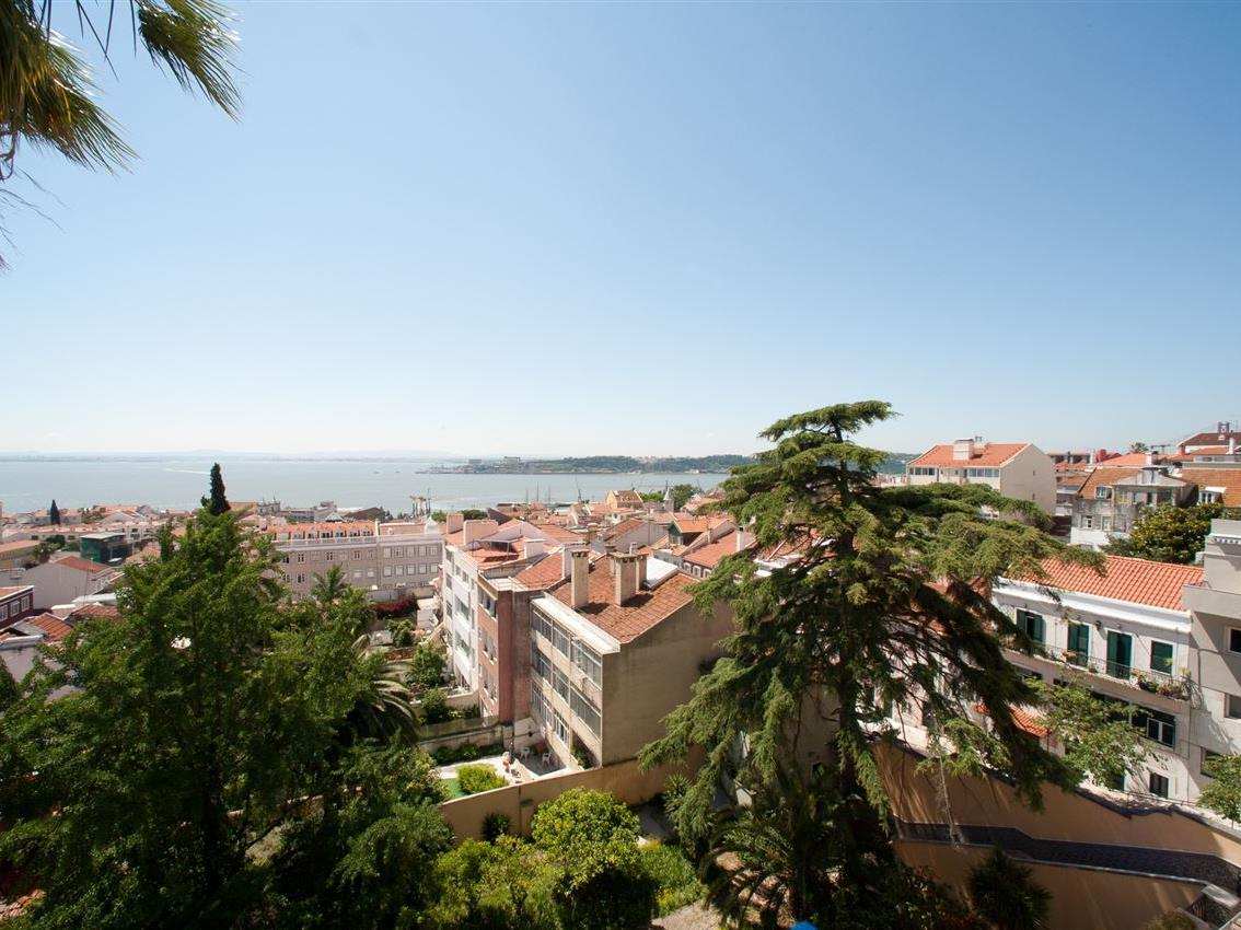 Multi-Family Home for Sale at Building for Sale Lisboa, Lisboa Portugal