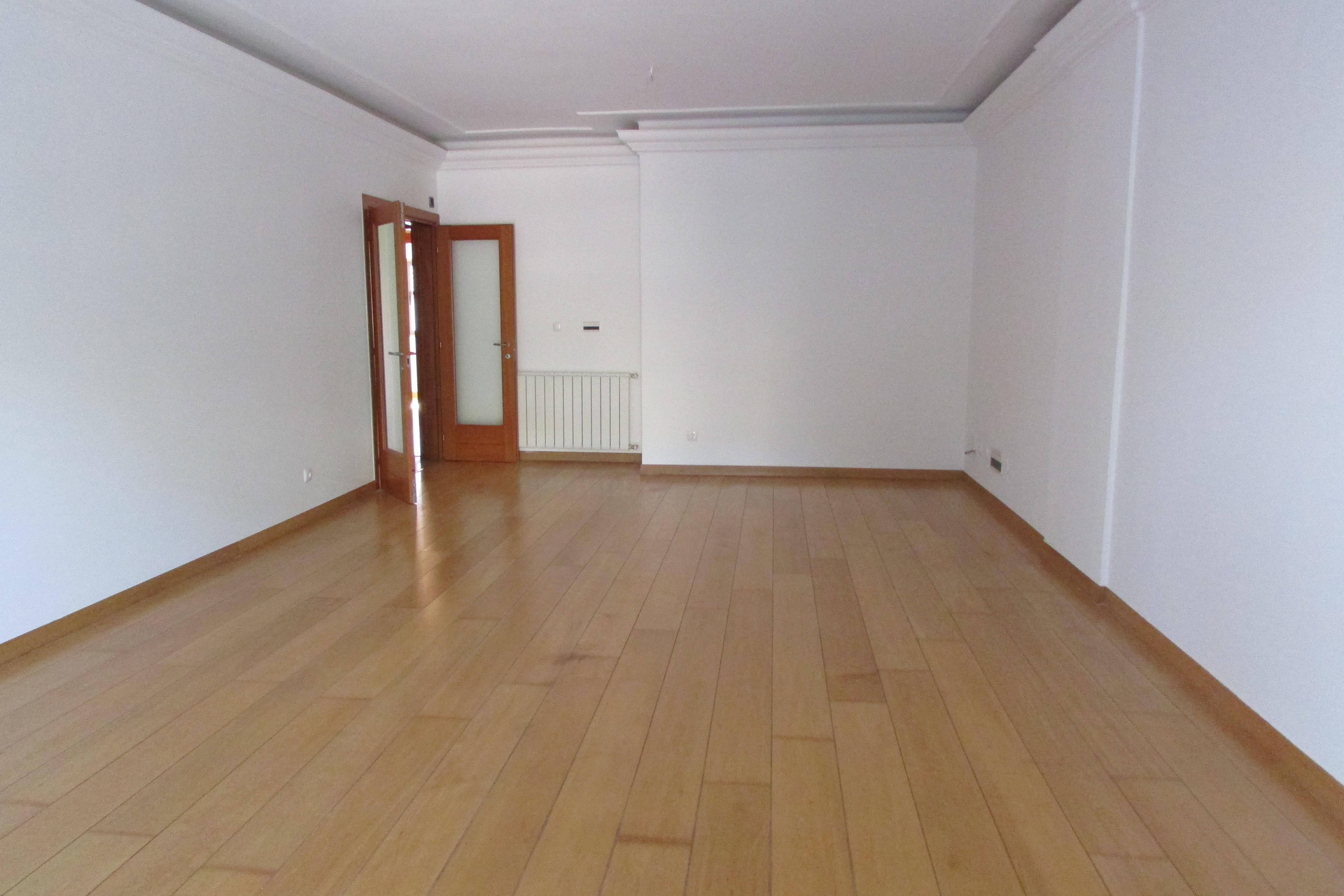 Apartamento por un Venta en Flat, 3 bedrooms, for Sale Cascais, Lisboa 2765-418 Portugal