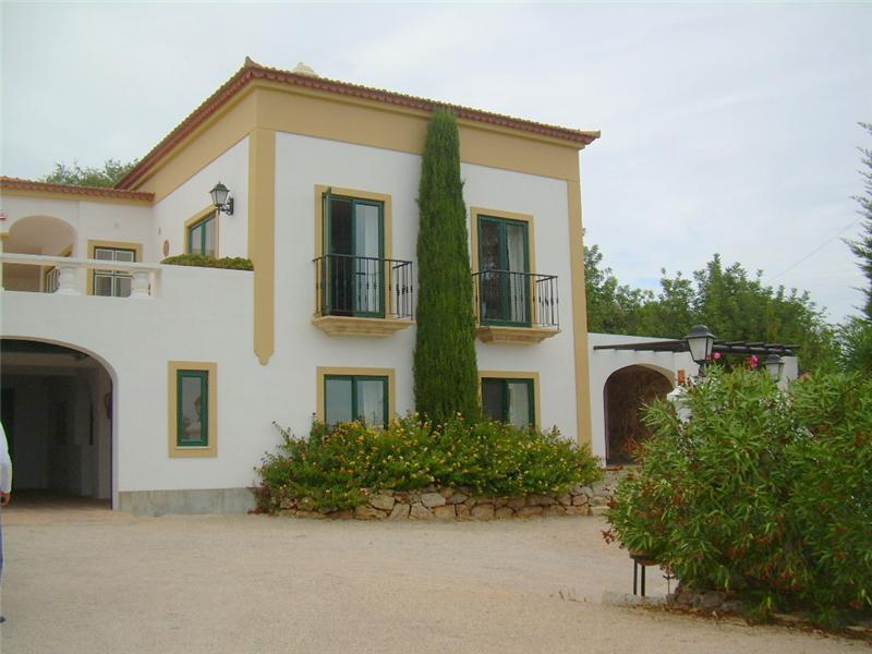 Casa Unifamiliar por un Venta en House, 3 bedrooms, for Sale Loule, Algarve, 8101-903 Portugal