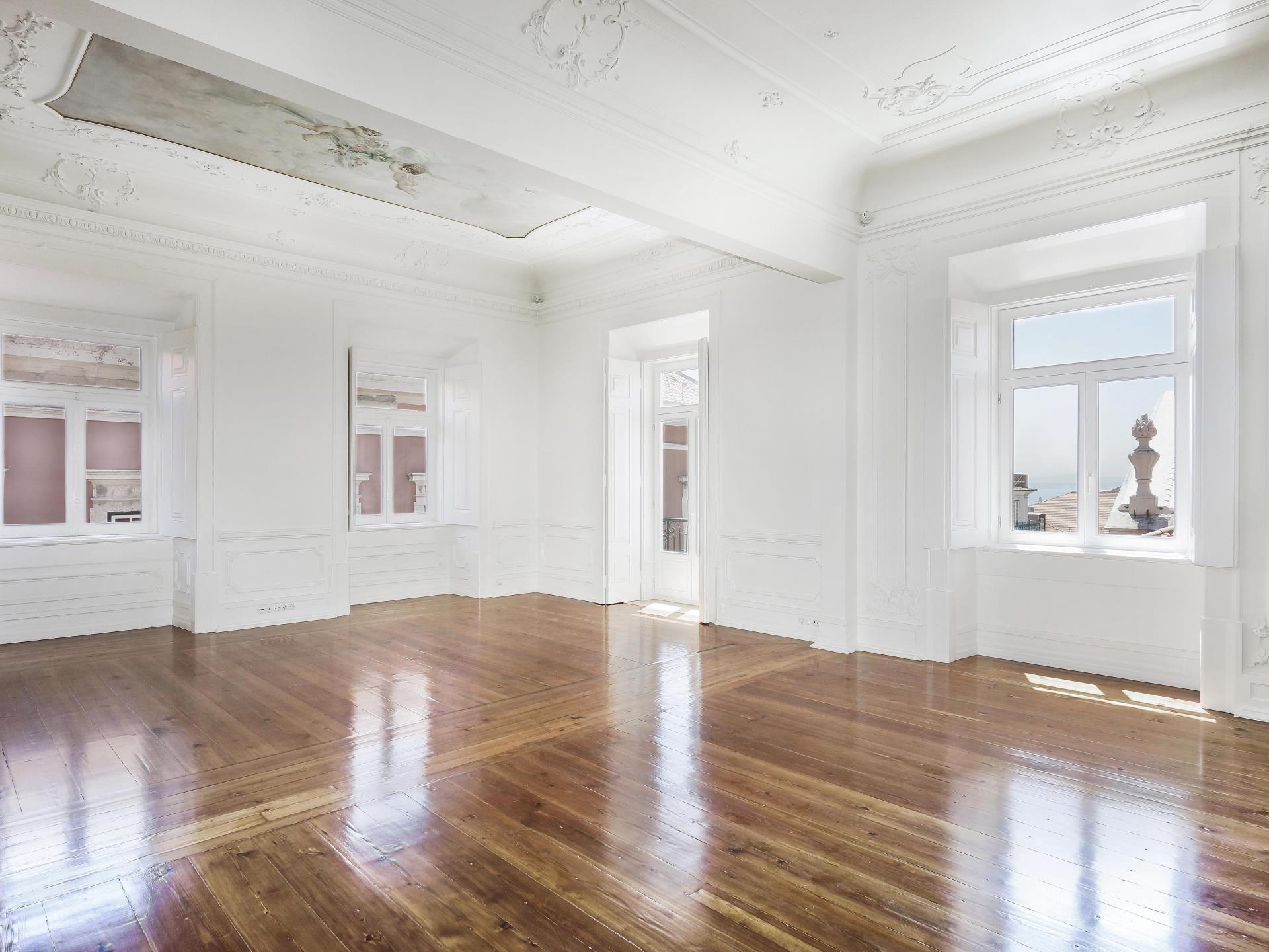 아파트 용 매매 에 Flat, 3 bedrooms, for Sale Chiado, Lisboa, 리스보아 포르투갈