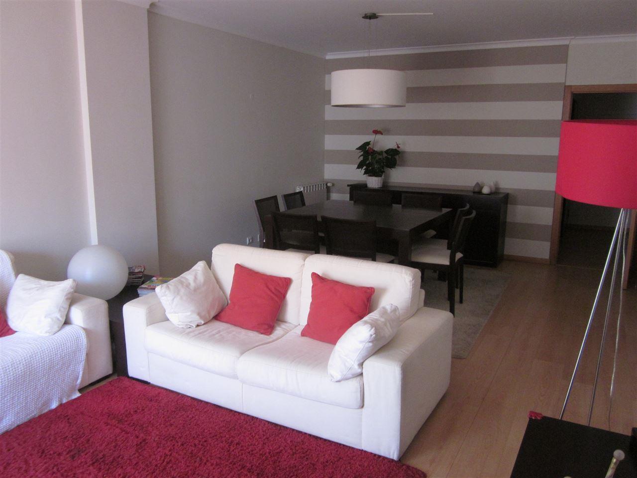 Wohnung für Verkauf beim Flat, 2 bedrooms, for Sale Cascais, Lissabon Portugal