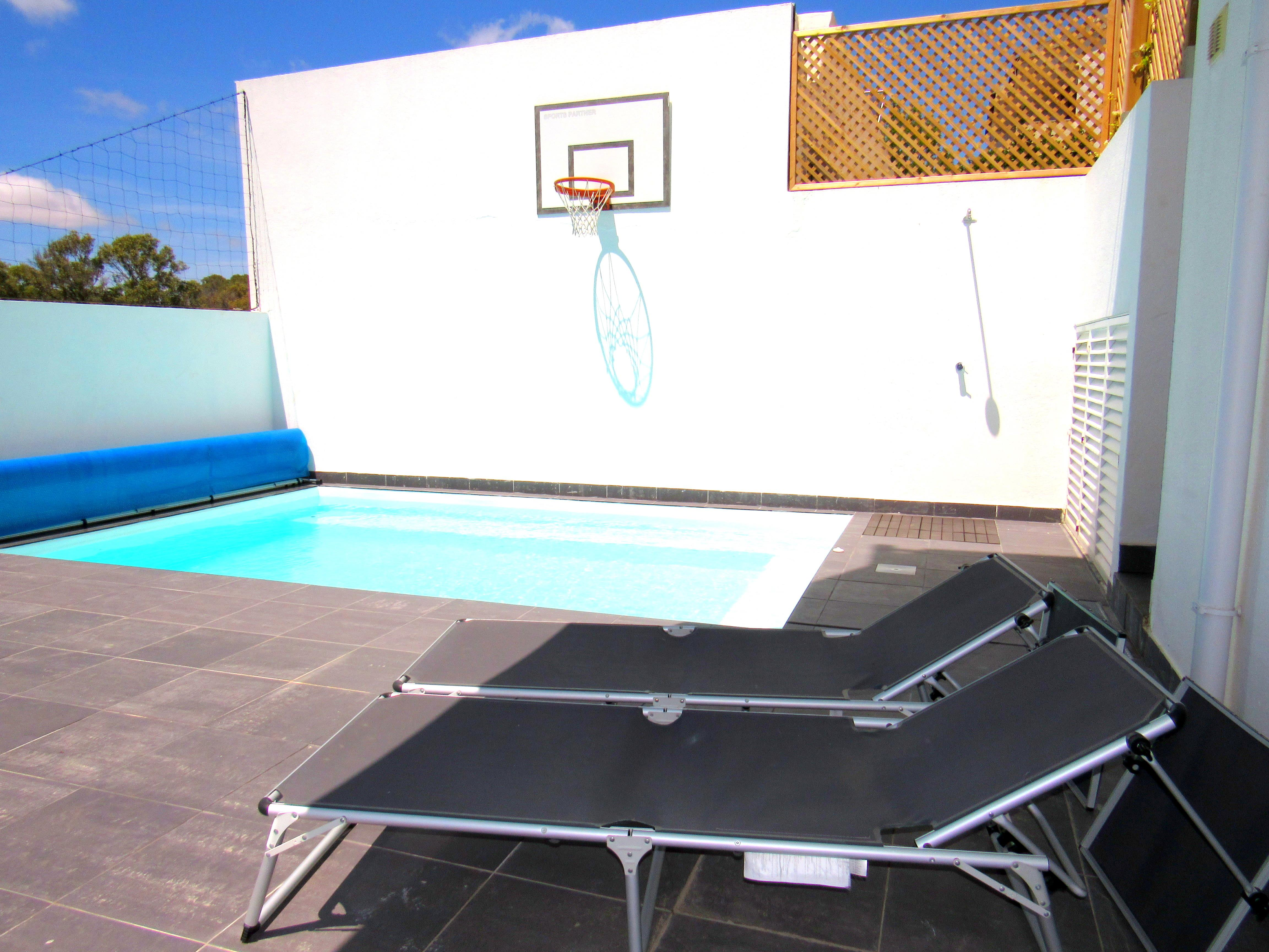 Single Family Home for Sale at Semi-detached house, 3 bedrooms, for Sale Oeiras, Lisboa, Portugal