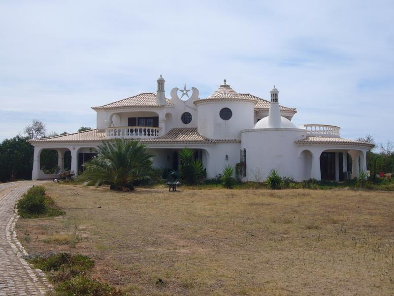 Single Family Home for Sale at House, 3 bedrooms, for Sale Albufeira, Algarve Portugal