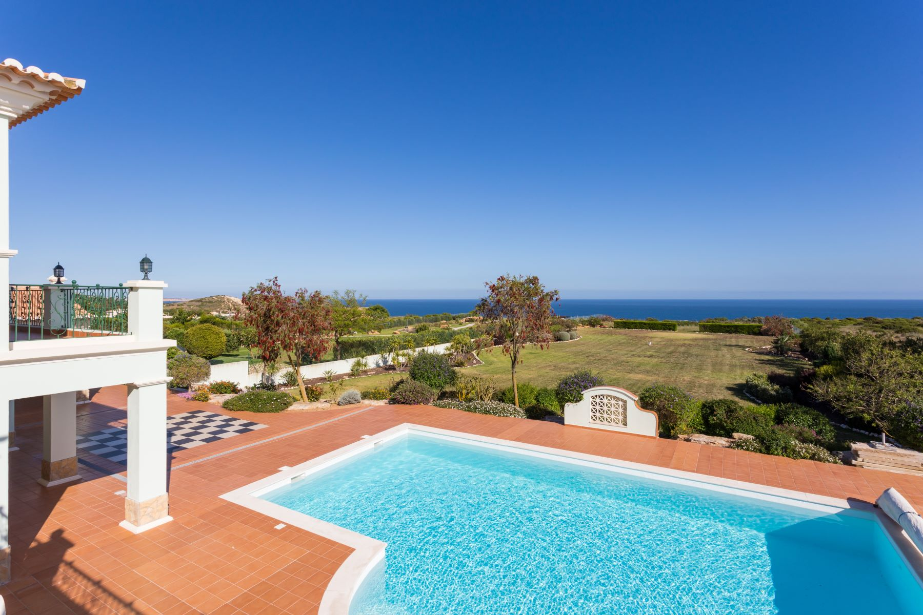 Single Family Home for Sale at Detached house, 5 bedrooms, for Sale Lagos, Algarve, Portugal