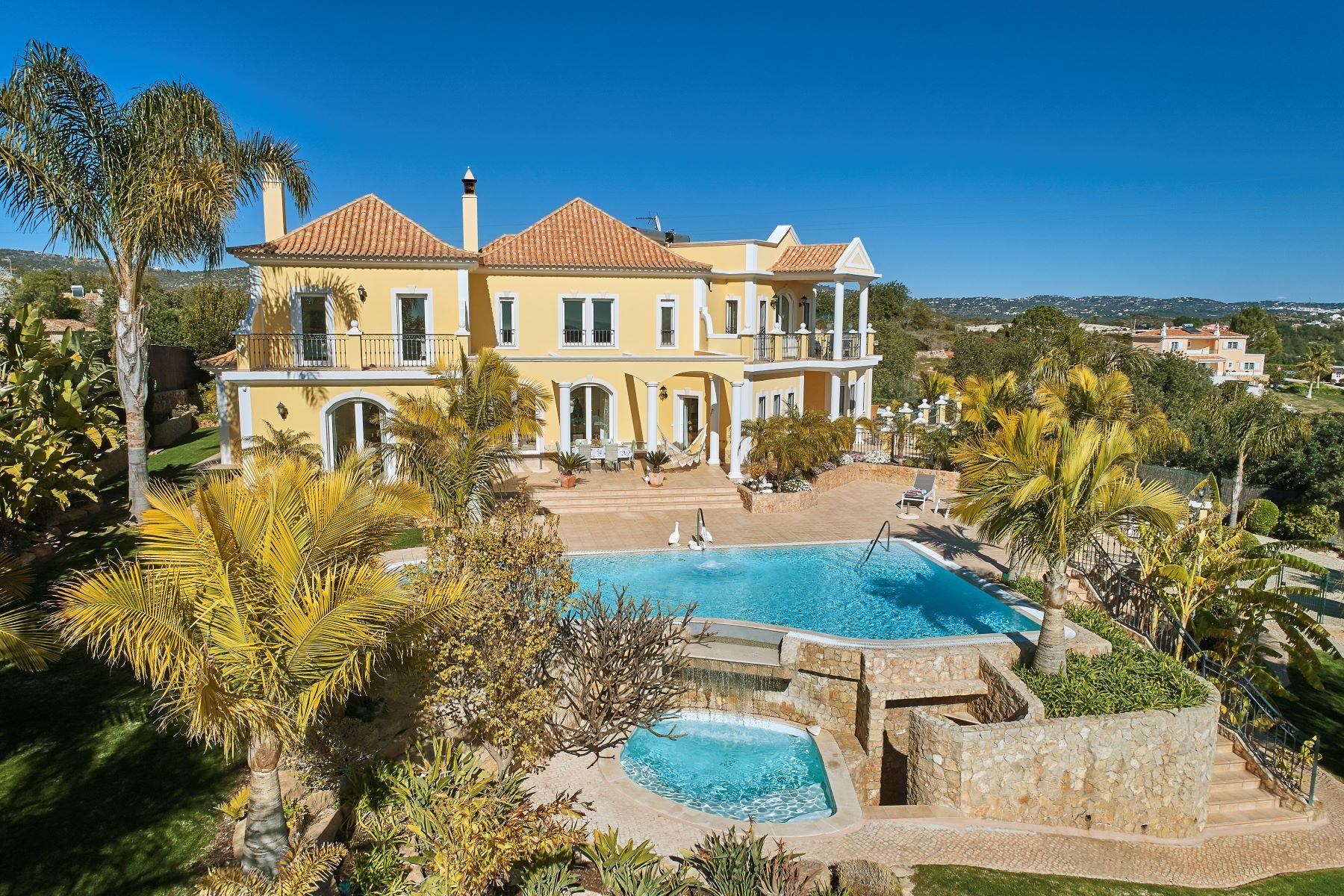 Maison unifamiliale pour l à vendre à House, 5 bedrooms, for Sale Loule, Algarve, Portugal