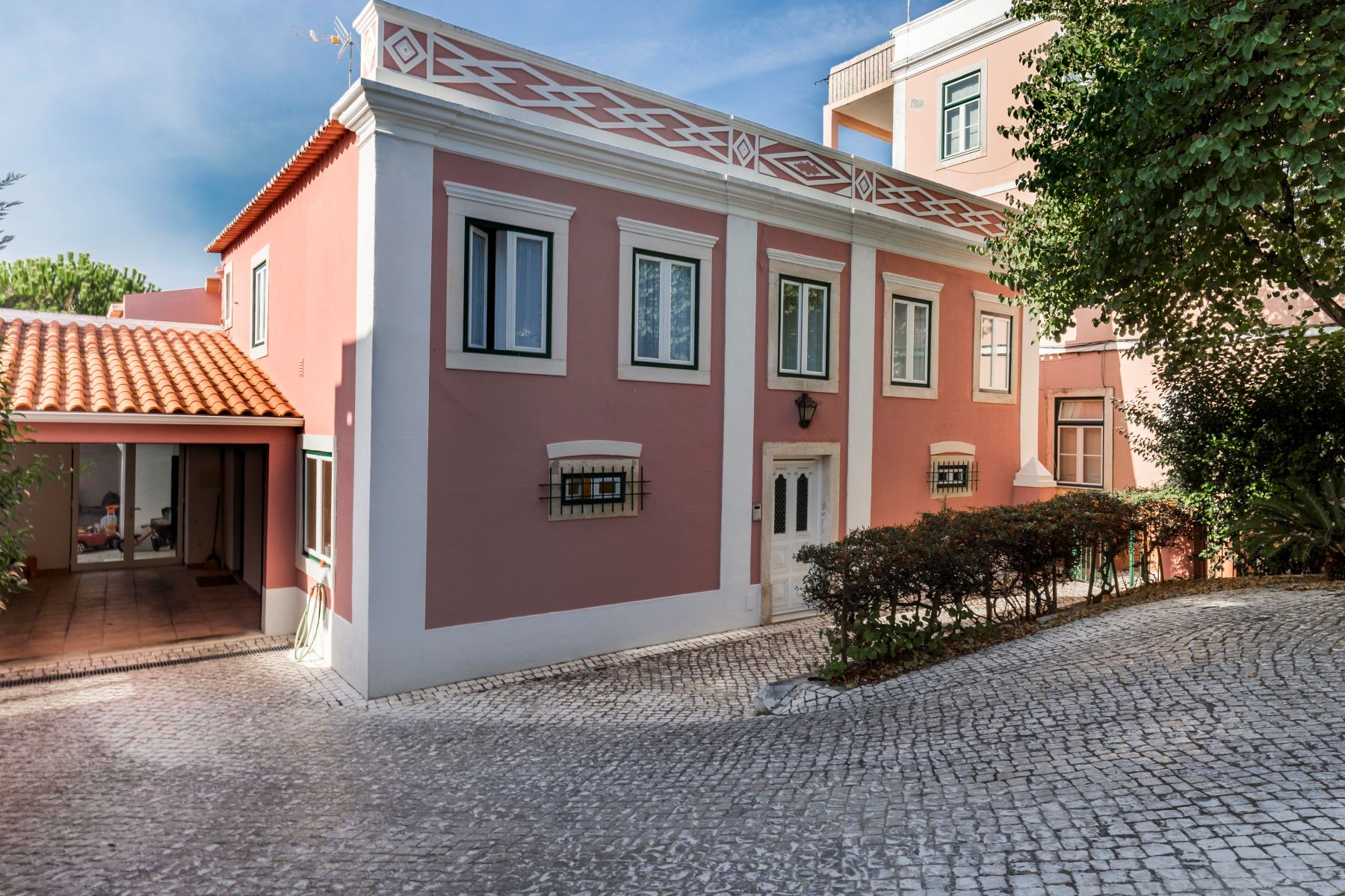 Single Family Homes for Sale at House, 4 bedrooms, for Sale Santarem, Santarem Portugal