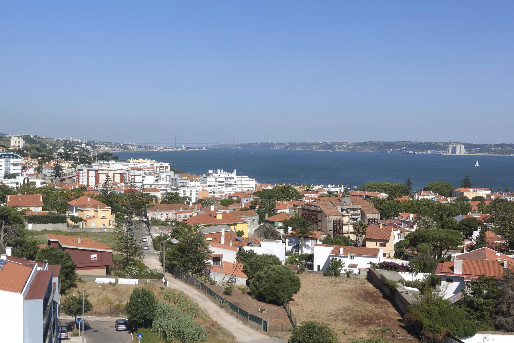 Apartamento por un Venta en Flat, 4 bedrooms, for Sale Oeiras, Lisboa, Portugal