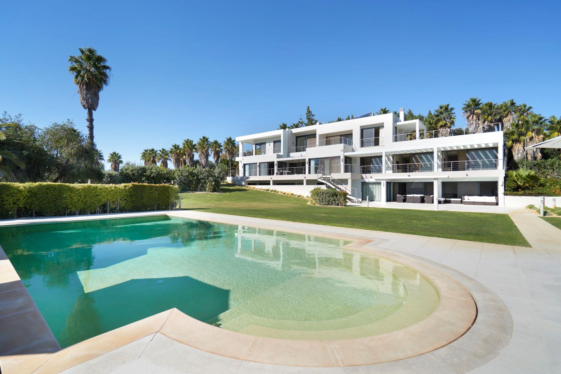 Maison unifamiliale pour l à vendre à House, 7 bedrooms, for Sale Loule, Algarve, Portugal