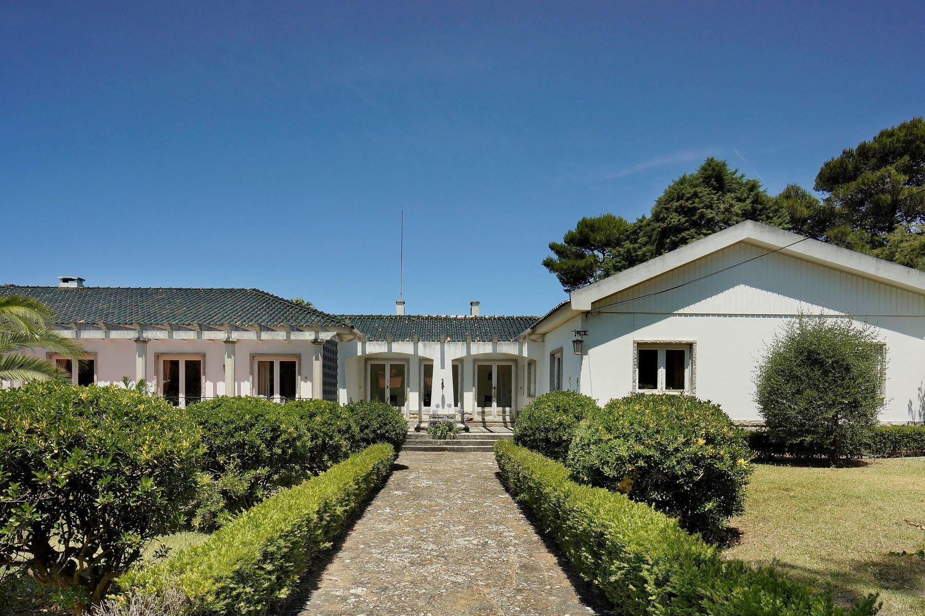 一戸建て のために 売買 アット Detached house to restore, 8 bedrooms, for Sale Cascais, リスボン, ポルトガル