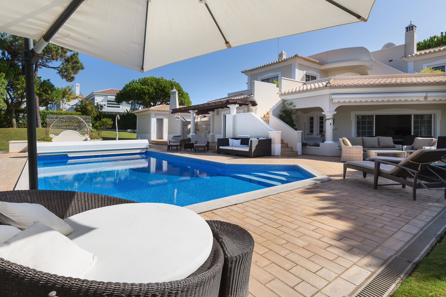 Single Family Home for Sale at House, 4 bedrooms, for Sale Loule, Algarve, Portugal