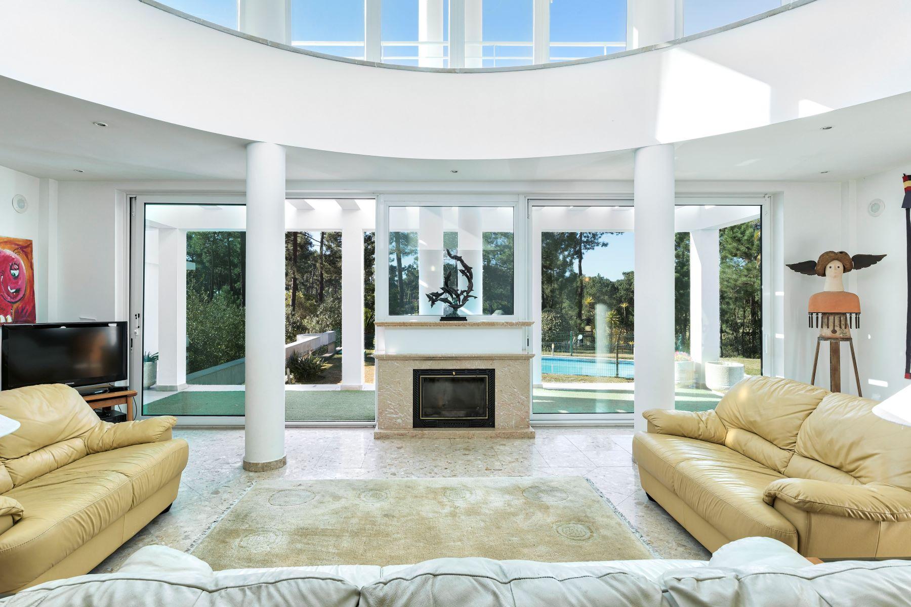 Casa para uma família para Venda às House, 7 bedrooms, for Sale Other Portugal, Outras Áreas Em Portugal, Portugal