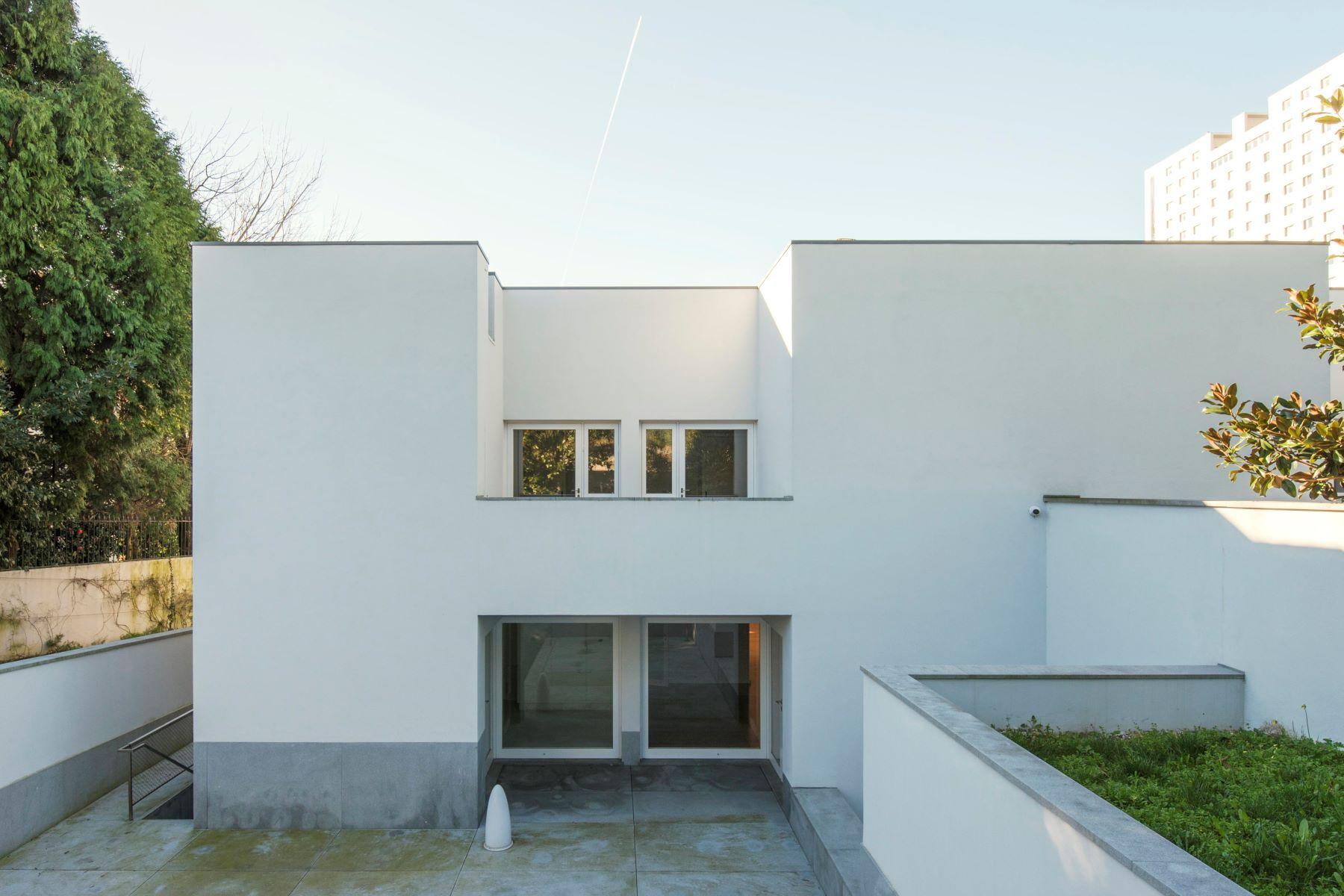 独户住宅 为 销售 在 Semi-detached house, 5 bedrooms, for Sale 波尔图, 波尔图, 葡萄牙