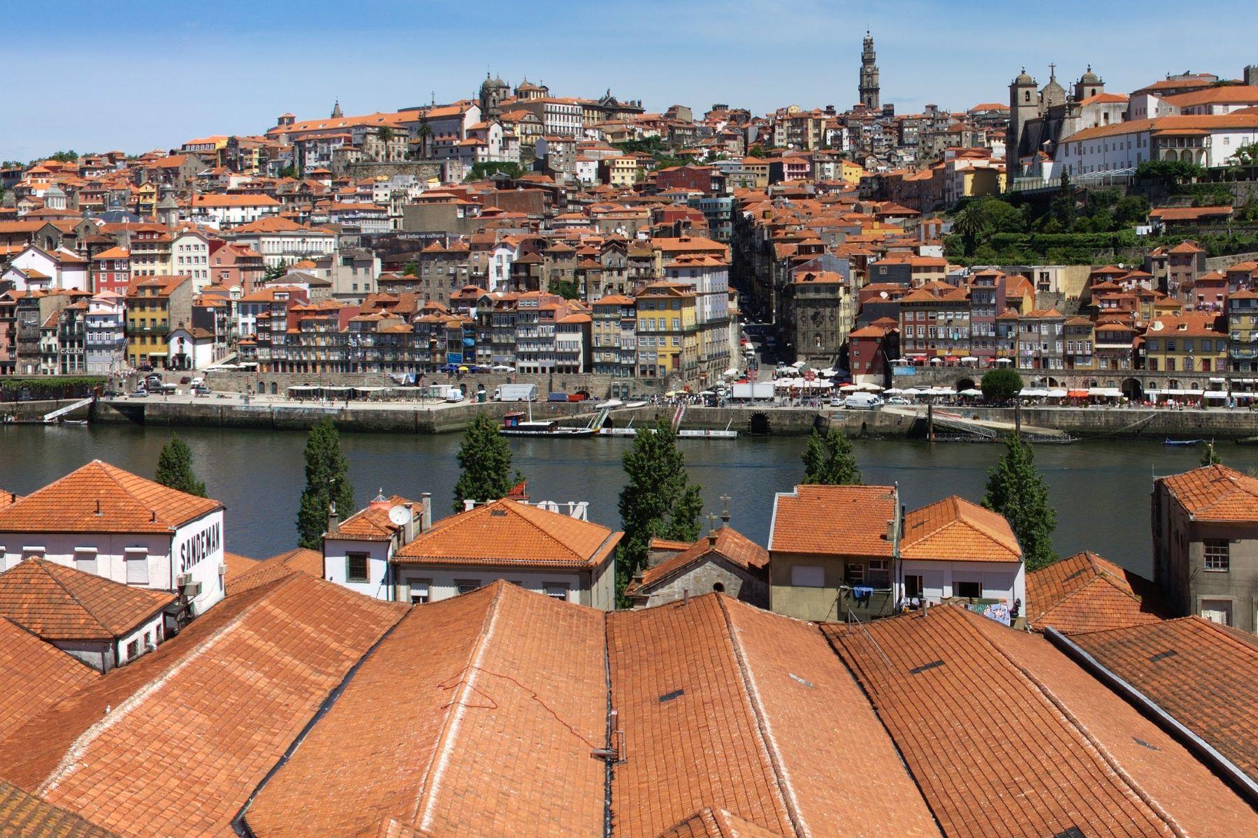 多户住宅 为 销售 在 Building for Sale Vila Nova De Gaia, 波尔图, 葡萄牙
