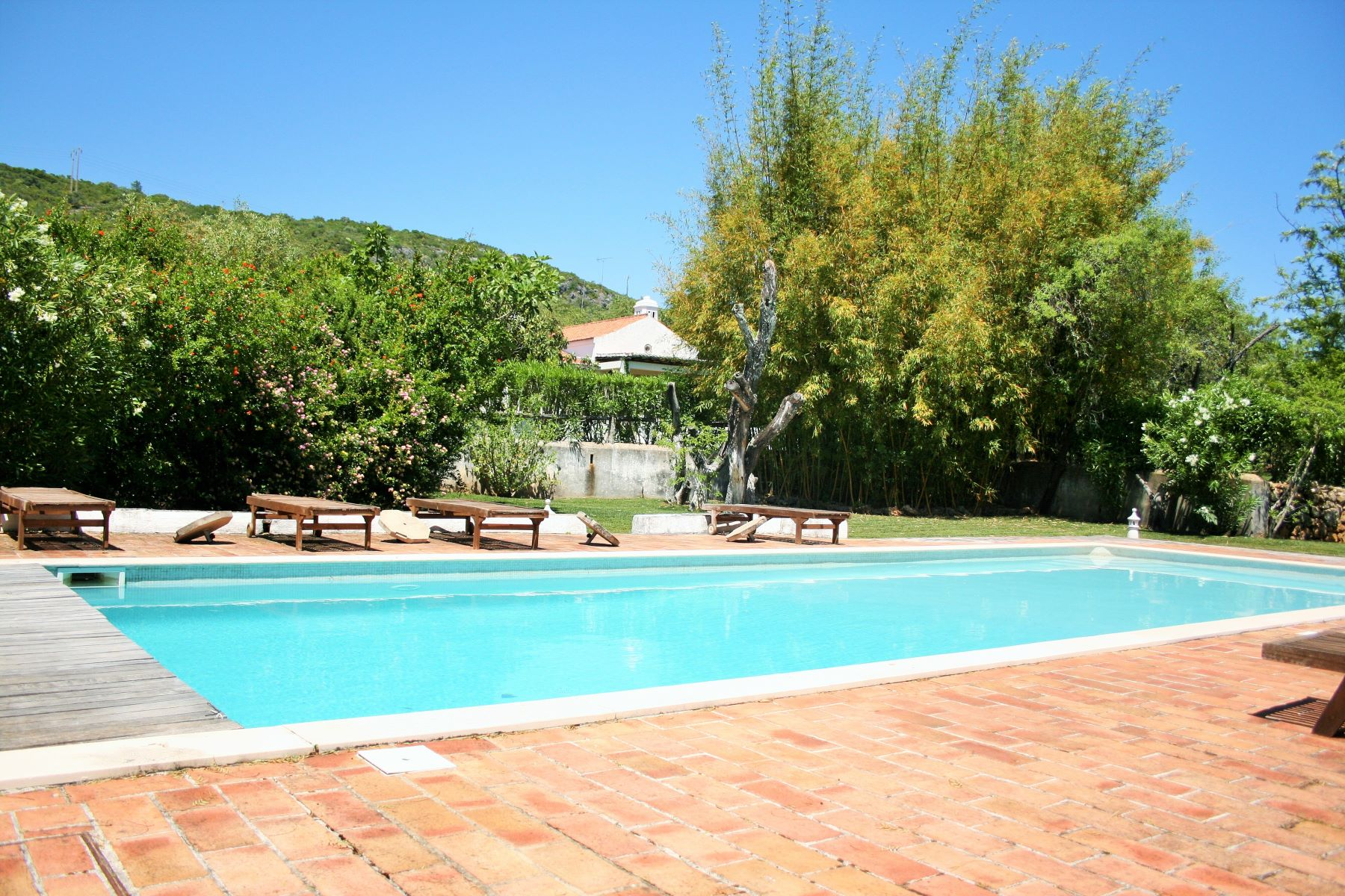 Single Family Home for Sale at Detached house, 6 bedrooms, for Sale Sao Bras De Alportel, Algarve, Portugal