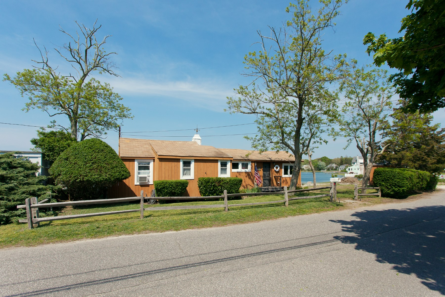Single Family Home for Sale at Waterfront Beach Cottage 267 Towd Point Road Southampton, New York, 11968 United States