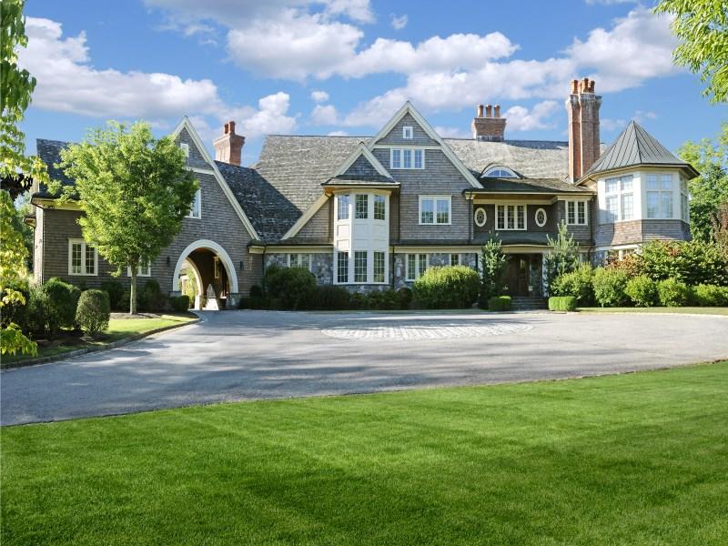 Einfamilienhaus für Verkauf beim Private Estate off Round Hill 170 Old Mill Road Greenwich, Connecticut 06831 Vereinigte Staaten