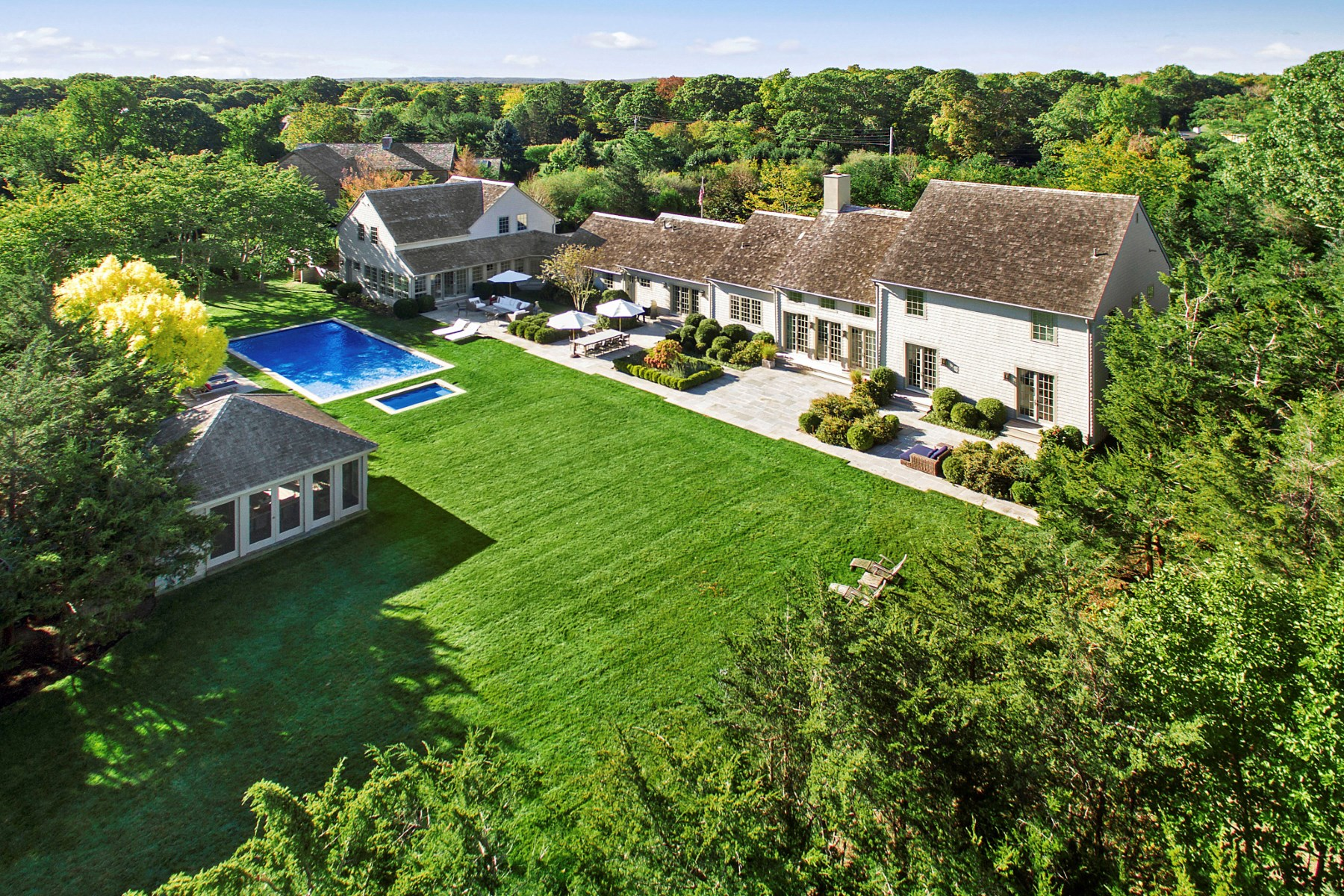 Casa para uma família para Venda às Exceptional Designer's Own Gated North Haven Estate Sag Harbor, Nova York 11963 Estados Unidos