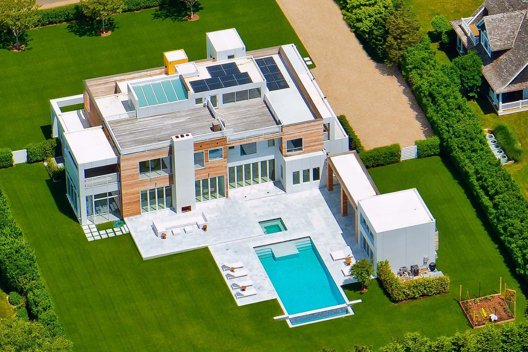 独户住宅 为 销售 在 Sleek New Modern on Meadowlark 81 Meadowlark Lane Bridgehampton South, 汉普顿, 纽约州, 11932 美国