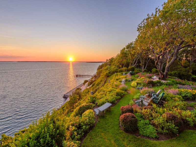 Villa per Vendita alle ore World-Class Waterfront Estate Sag Harbor, New York 11963 Stati Uniti