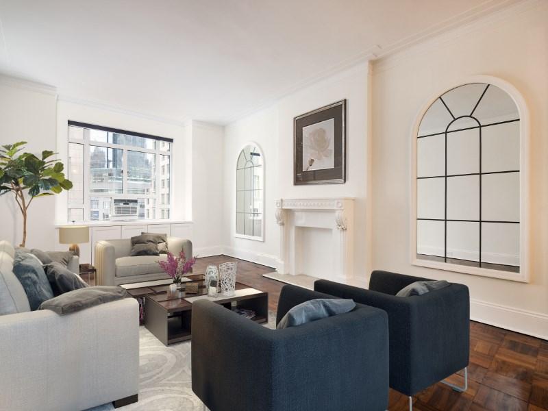 共管式独立产权公寓 为 销售 在 25 Central Park West 25 Central Park West Apt 8i Upper West Side, New York, 纽约州 10023 美国