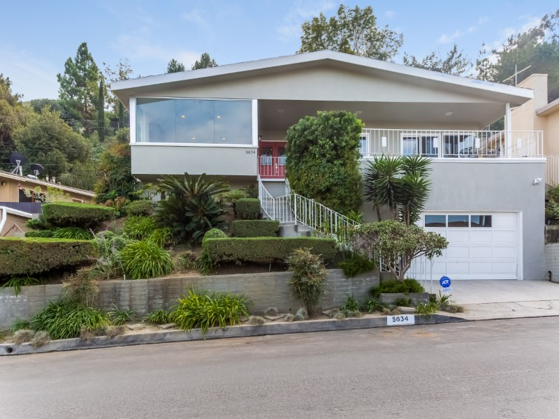 Villa per Vendita alle ore Fabulous Home with Spectacular LA Views 5634 Glenford St Los Angeles, California 90008 Stati Uniti
