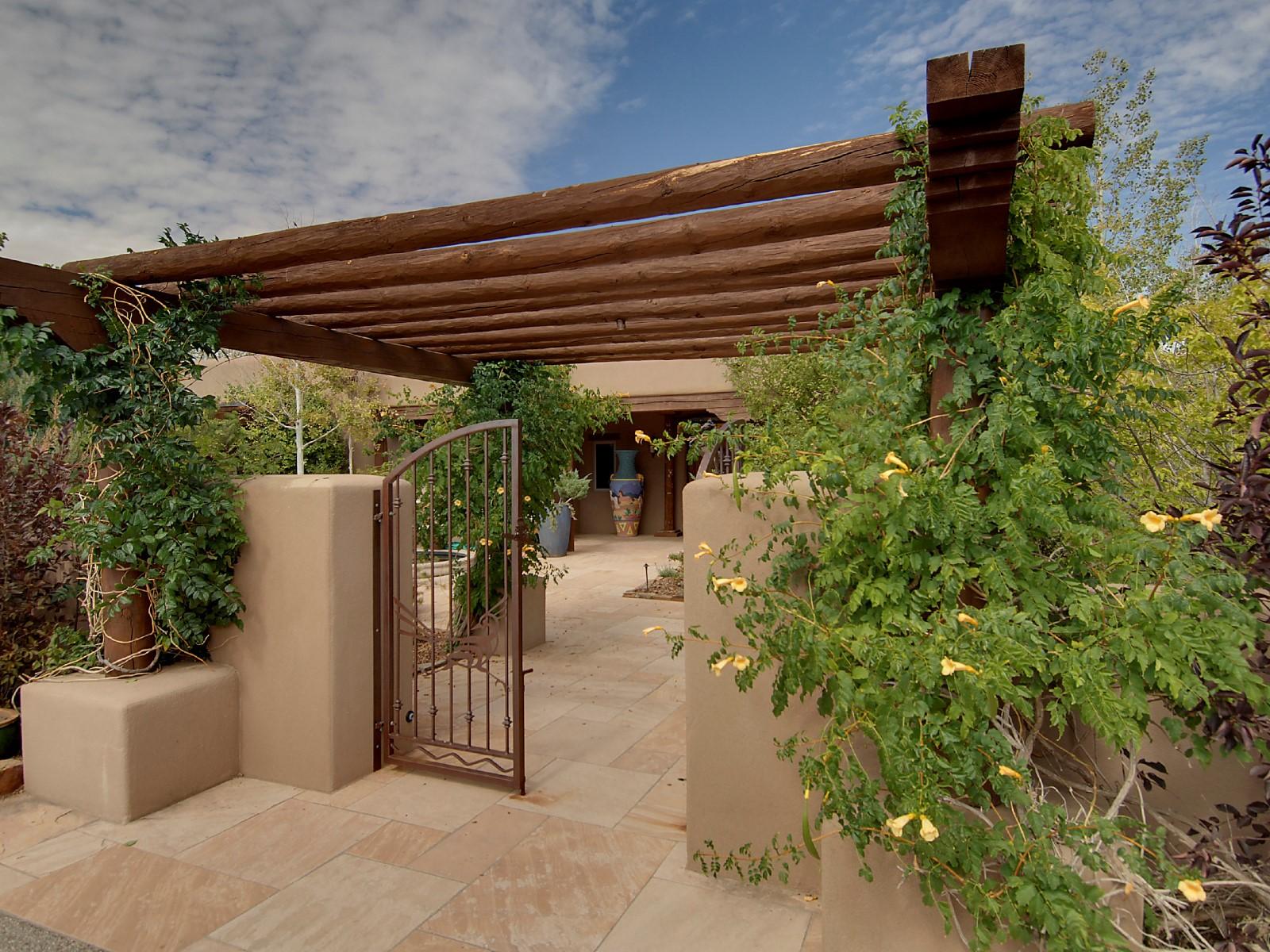 Maison unifamiliale pour l Vente à 11 Entrada Descanso Las Campanas & Los Santeros, Santa Fe, New Mexico 87506 États-Unis